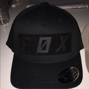 Black flex fit SnapBack fox hat.
